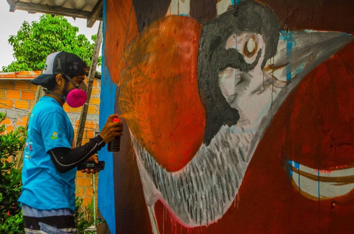 Voluntarios de distintos colectivos de artistas dejaron sus marcas en PacifiColor. Foto: Papagayo Trip