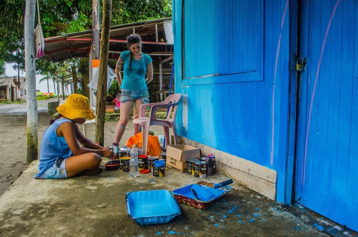 Los dueños de las viviendas autorizaron que se las pintaran y eligieron sus colores favoritos. Foto: Papagayo Trip