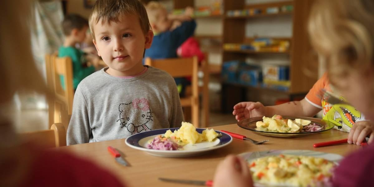 Niños que van a la guardería se comportan mejor que los criados por sus padres