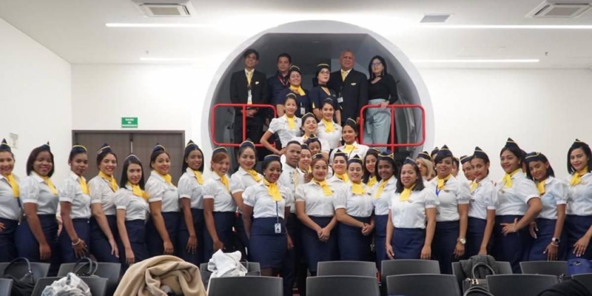 Centro Aeronáutico lleva 37 estudiantes a Colombia para entrenamientos