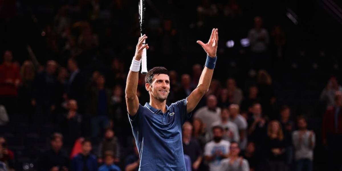 Djokovic avanza por la vía rápida a cuartos de París tras abandono de Dzumhur