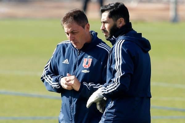 Johnny Herrera dijo que la mala administración de Azul Azul ha generado desgaste tanto en el cuerpo técnico como en el plantel de jugadores de la U / Foto: Photosport