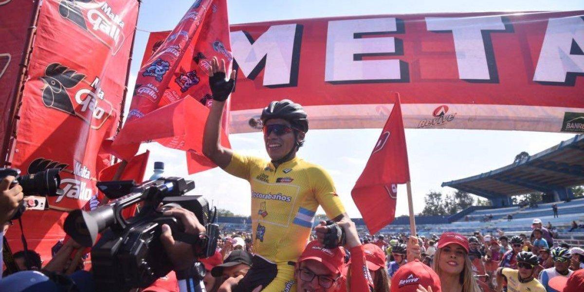 VIDEO. Alfredo Ajpacajá celebra como el campeón de la Vuelta a Guatemala