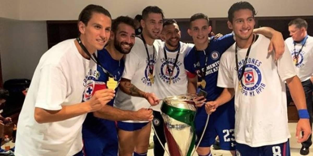 VIDEO: Cruz Azul festeja título de Copa 'enloquecidamente'