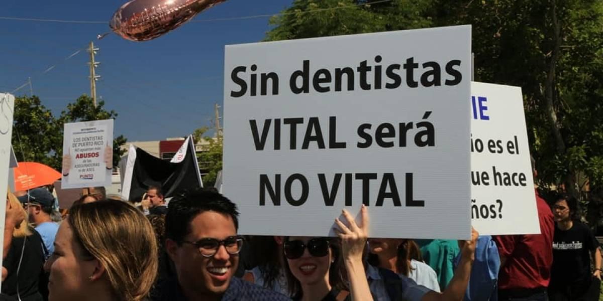 Dentistas continúan su reclamo sobre revisión de tarifas