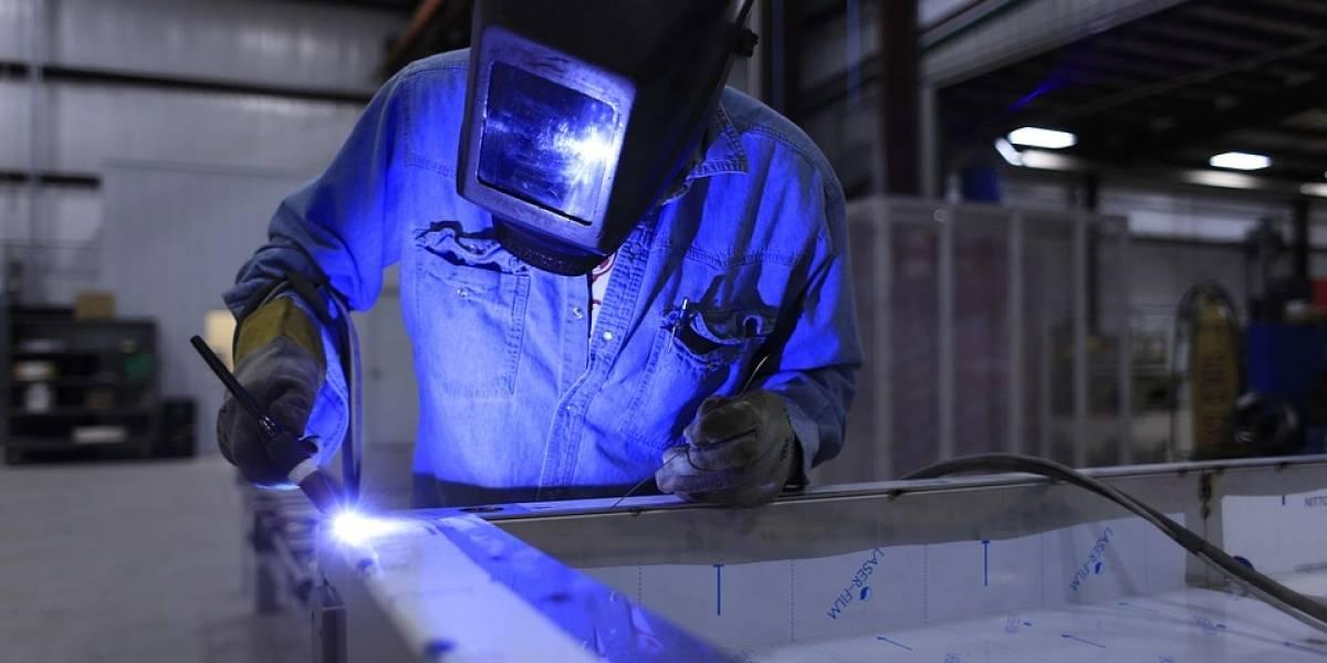 Queda na produção industrial foi a pior para setembro desde 2015, diz IBGE