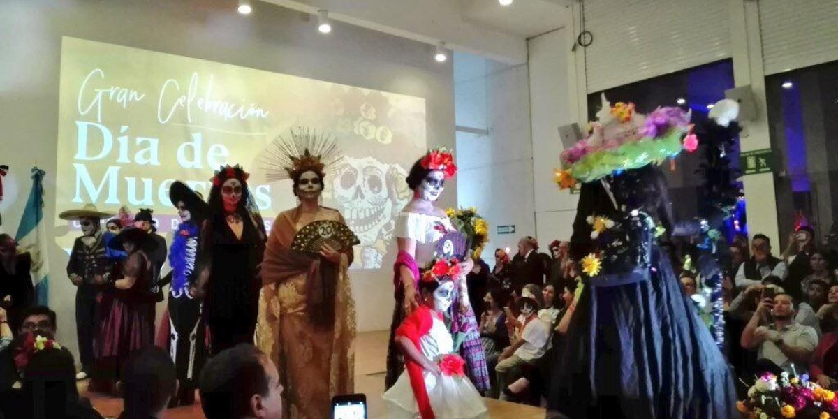 Color y tradición en la celebración mexicana del Día de Muertos