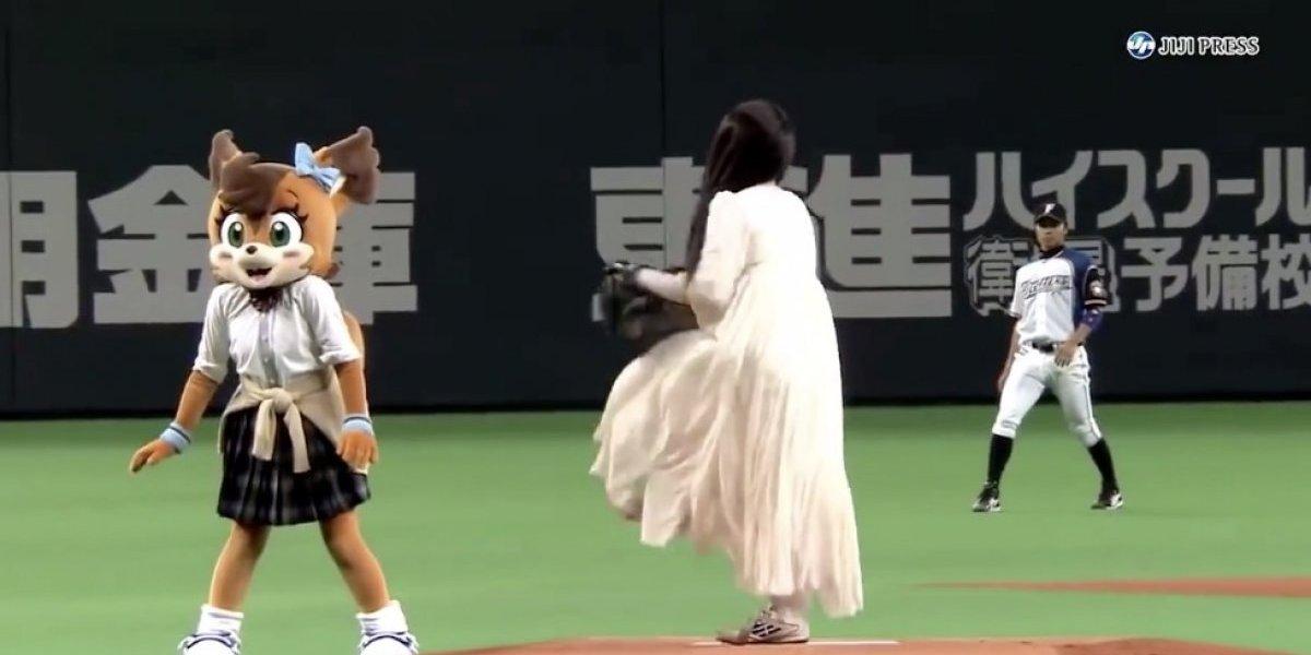 VIDEO: Celebran en Japón un partido de béisbol al estilo Halloween