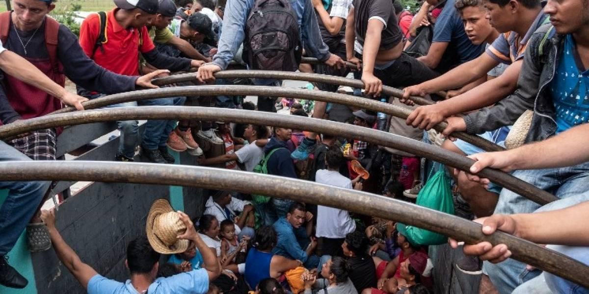EN IMÁGENES. Caravana de migrantes se moviliza de Veracruz a la Ciudad de México
