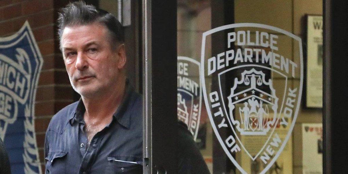 Alec Baldwin niega acusaciones de que golpeó a transeúnte