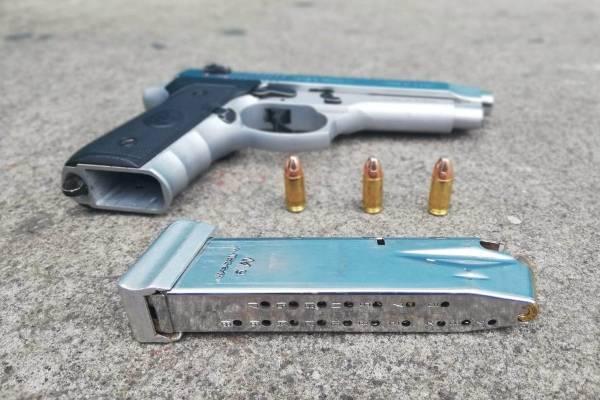 Arma de fuego incautada.