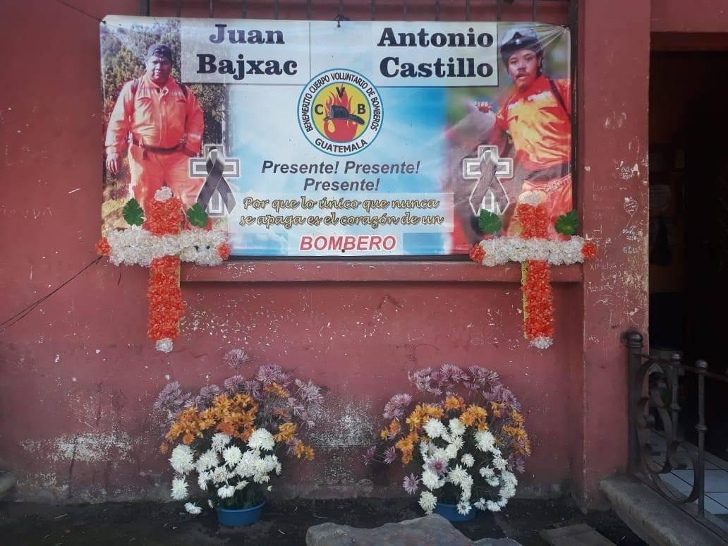 Recuerdan a los bomberos víctimas de la erupción del volcán de Fuego