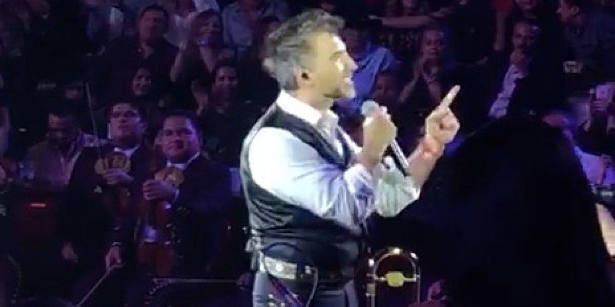 Explota Alejandro Fernandez tras difusion de video