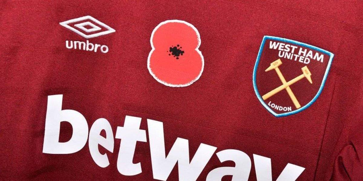 ¿Qué es la flor roja en los jerseys de la Premier League?