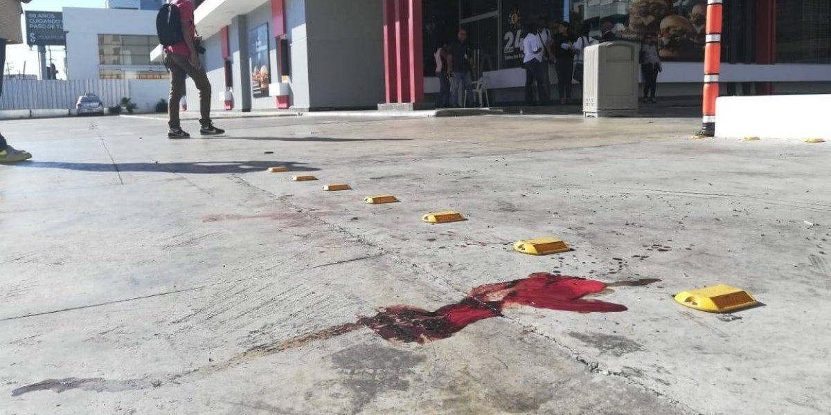 Fallece uno de los heridos en incidente en restaurante de avenida Lincoln