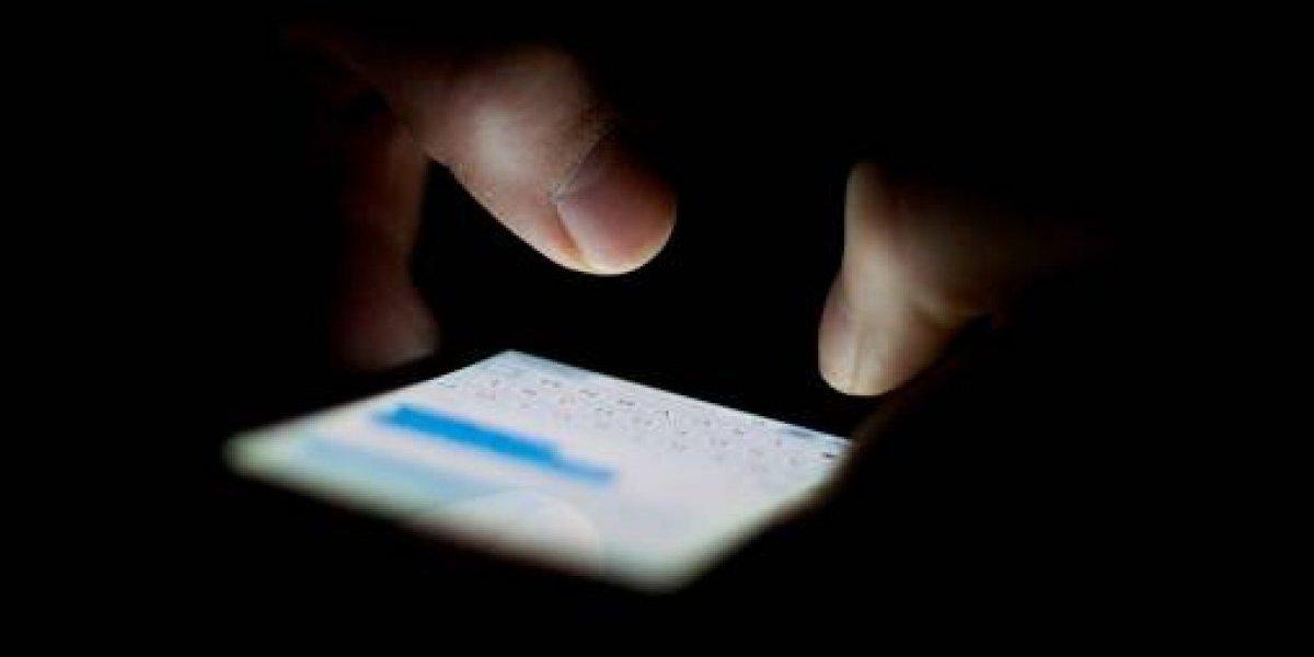 """""""La golpeé mucho"""": los espeluznantes mensajes de texto entre padres que dejaron morir a su hija de 19 meses en una jaula"""