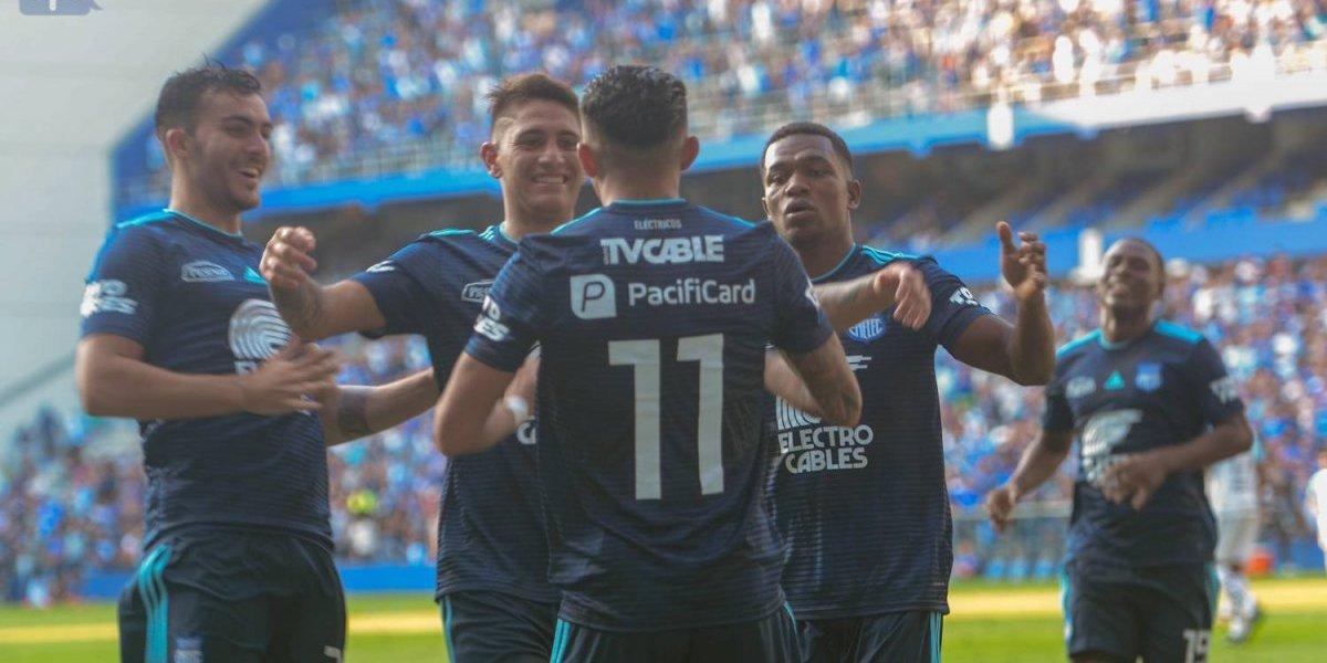 Emelec vs U. Católica: 'El bombillo' triunfa ante el cuadro Universitario