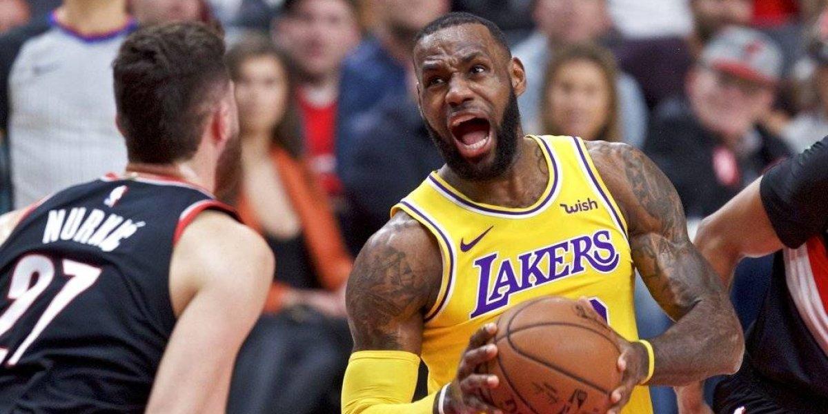 LeBron James lidera a los Lakers a un triunfo histórico en Portland