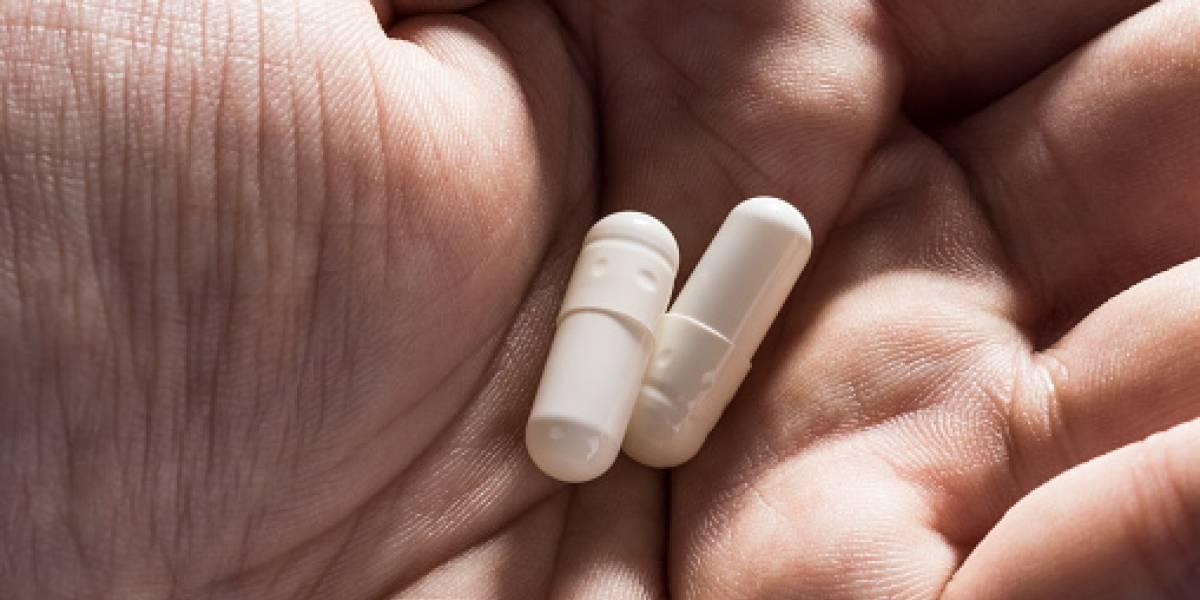 Mujer intenta transportar cocaína en el estómago