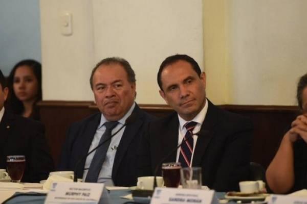 El rector de la universidad pública se reunirá hoy con los jefes de bloque.