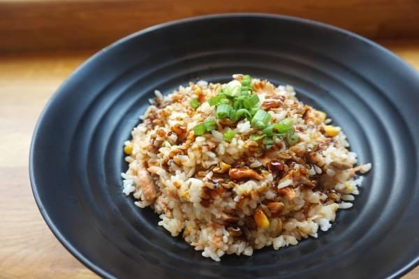 Especialista despeja mitos sobre el arroz