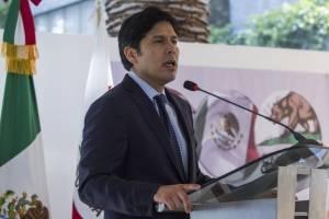 Kevin de León, el candidato latino