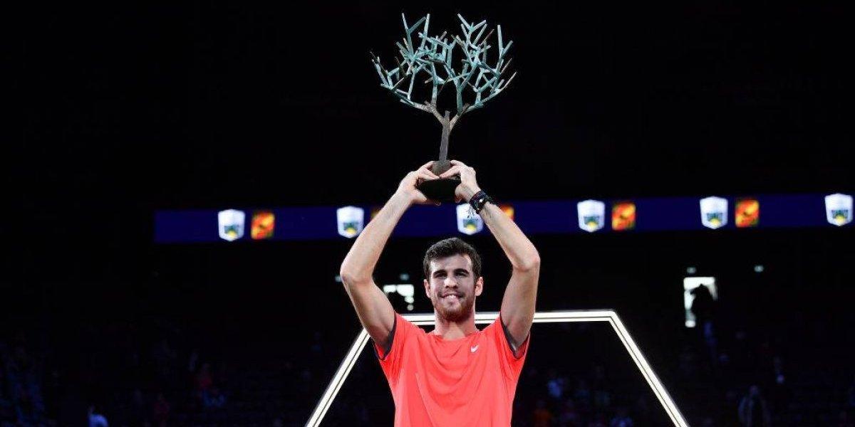 El joven ruso Karen Khachanov dio el golpe al conquistar París-Bercy tras vencer a Djokovic