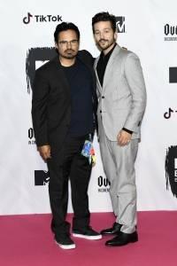 Michael Peña y Diego Luna