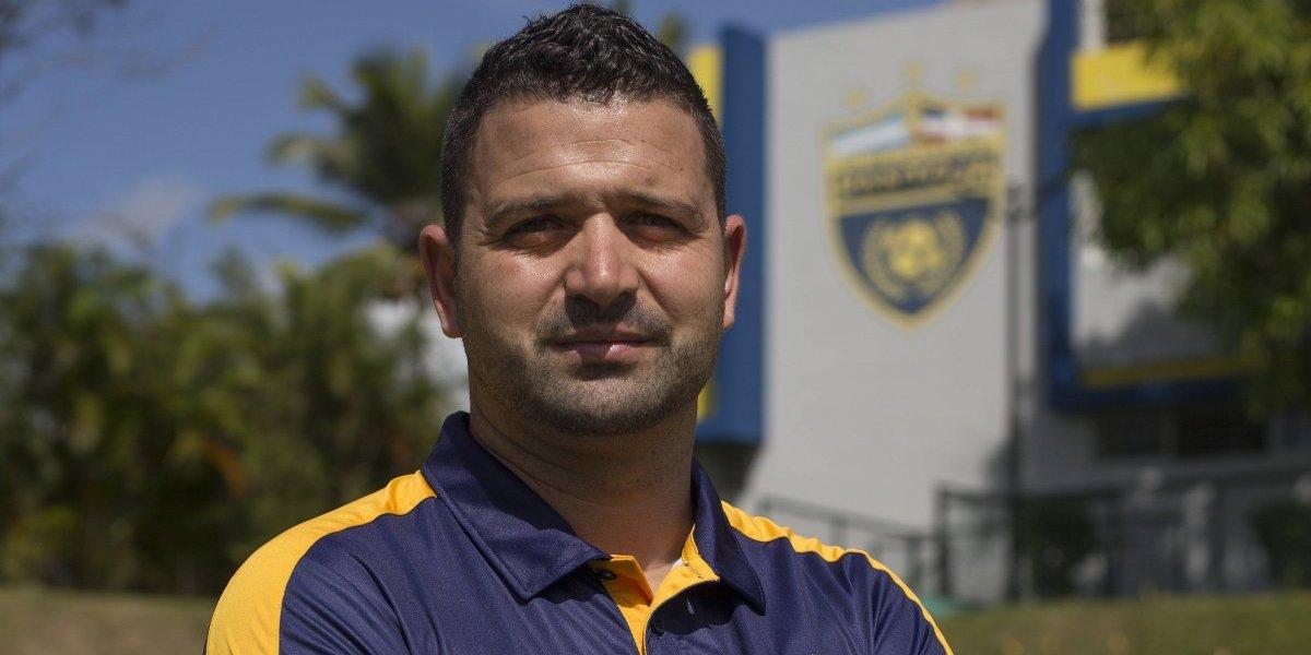 Club Atlético Pantoja presenta a Oliver Mendoza como nuevo director técnico