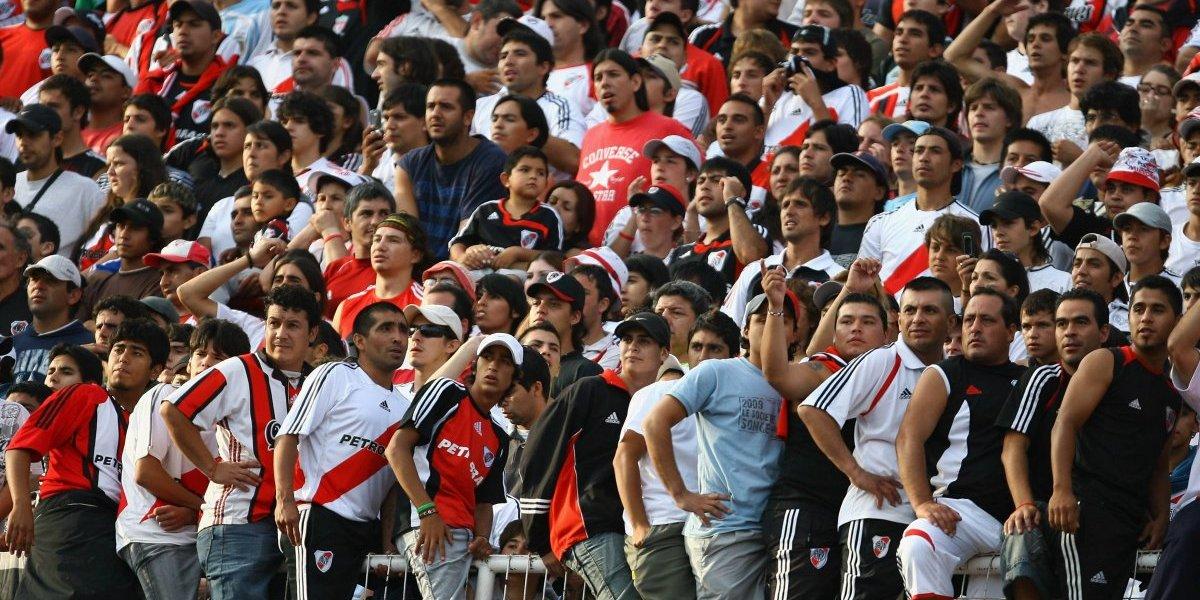 Detienen a 50 hinchas de River Plate con boletos falsos y por generar disturbios