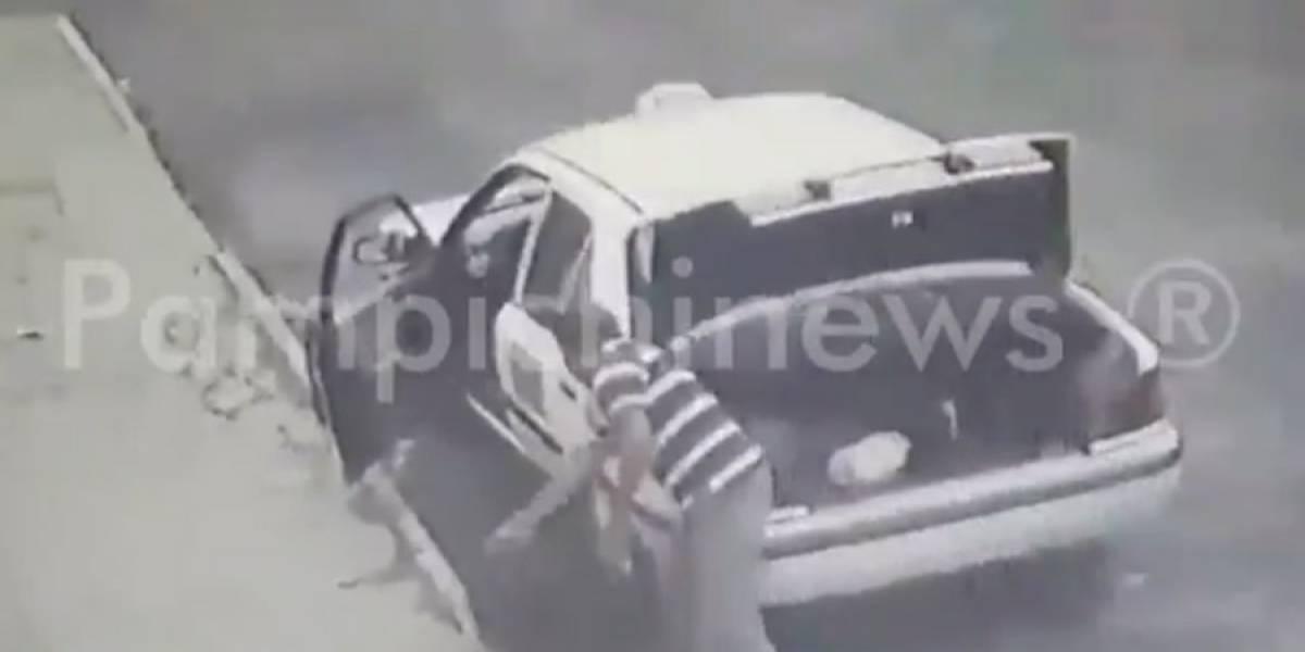 VIDEO. Taxista de Chinautla es captado al momento de dejar basura en la calle