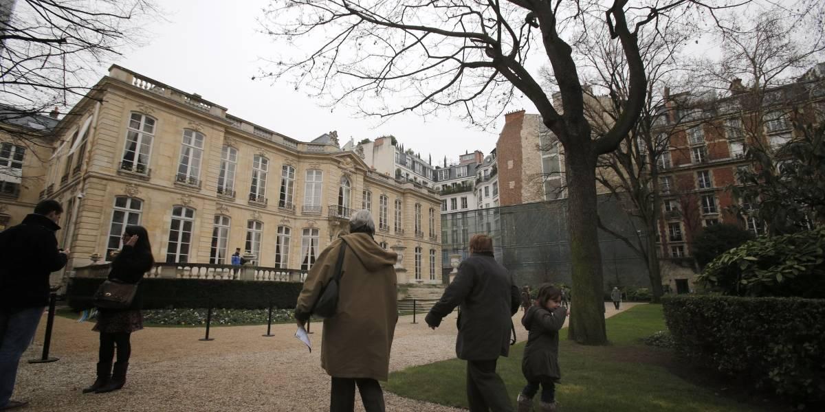 Macabro hallazgo estremece a Francia: gendarme que cuidaba al primer ministro fue encontrado muerto en el jardín del Palacio de Matignon