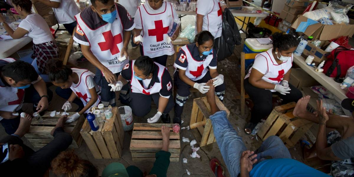 Los pies lastimados, gran desafío para migrantes en México