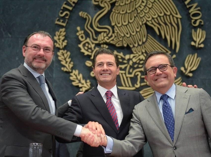 Peña Nieto se reúne con integrantes de las Fuerzas Armadas
