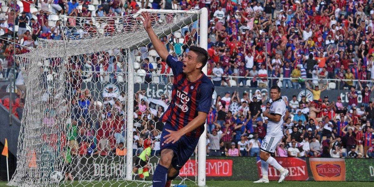 Joven de 14 años consigue su primer gol en el futbol profesional