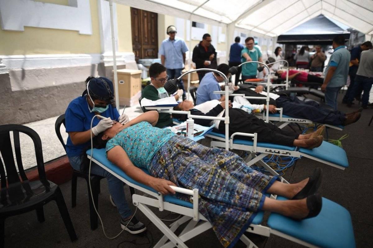 Jornada médica frente al Congreso Foto: Edwin Bercián