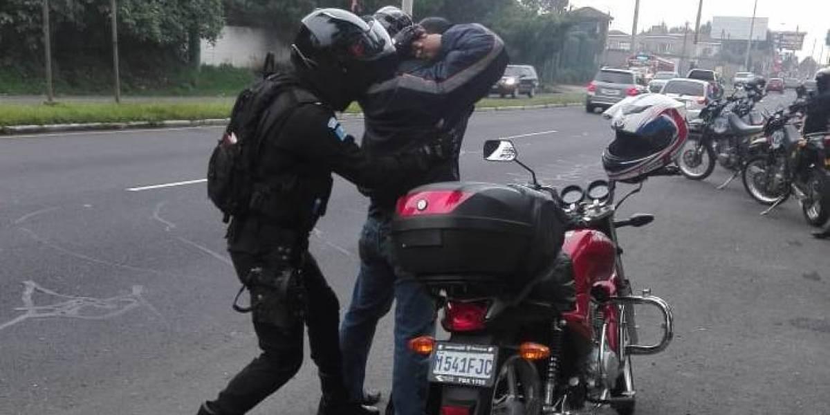 PNC verifica motocicletas, vehículos y autobuses como medida de prevención