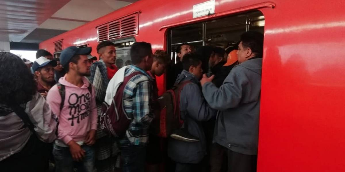 Habilitan vagones exclusivos en el Metro para migrantes
