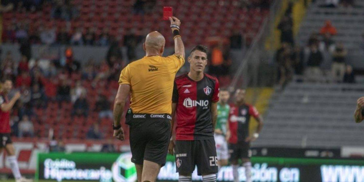 Atlas logró que habilitaran a jugador expulsado ante León