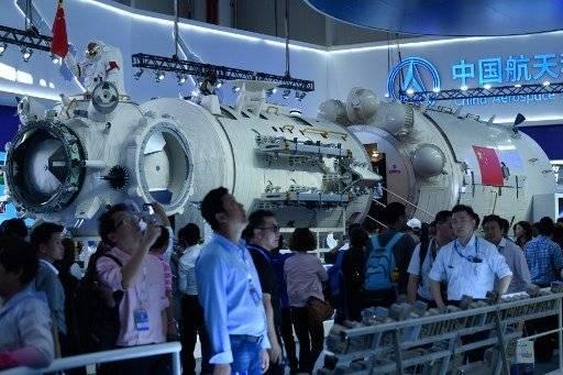 China presenta réplica de su estación espacial para 2022