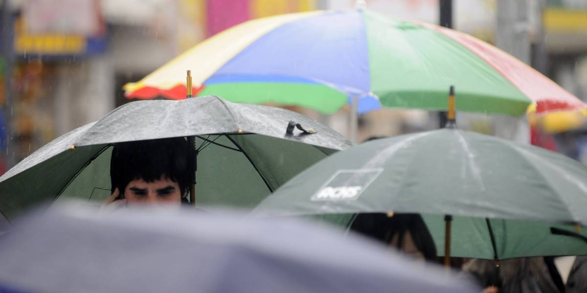 """¿Va a llover? Sí, y también habrá ola de calor: expertos culpan a """"El Niño"""" y pronostican un verano en las mismas condiciones"""