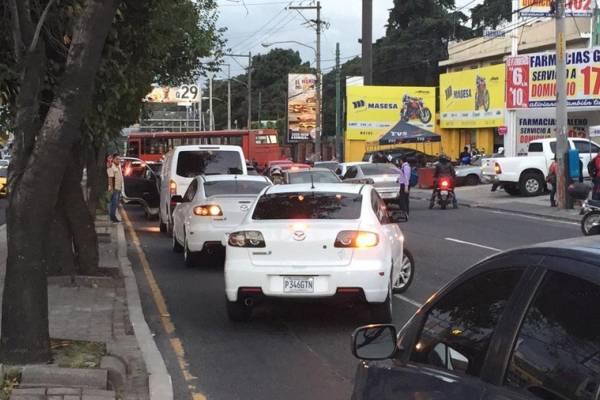 Congestionamiento en Avenida Petapa