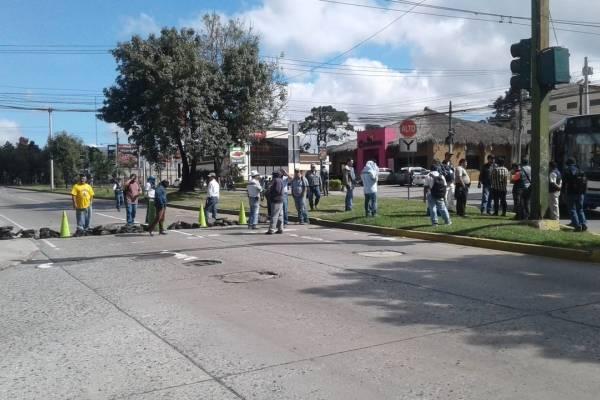bloqueo de estudiantes de la Usac en la Petapa