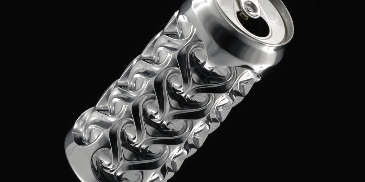Artista crea increíbles esculturas con latas de soda