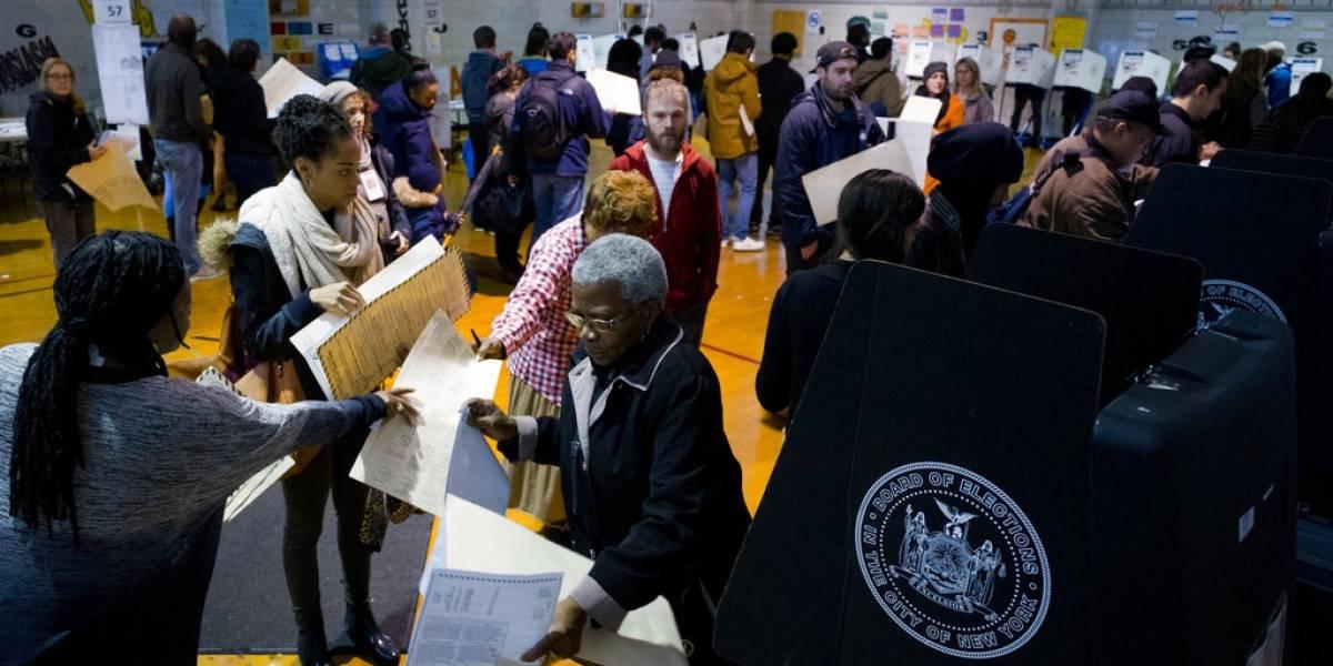 Largas filas y fallas en máquinas en elecciones de EE. UU.