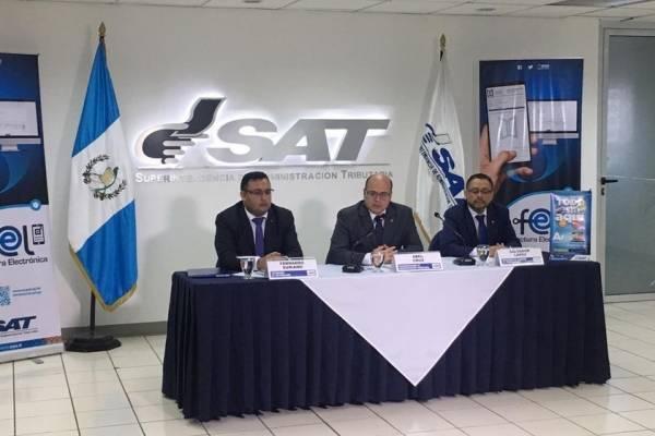 El titular de la SAT, Abel Cruz, indica que 12 empresas ya utilizan el documento.