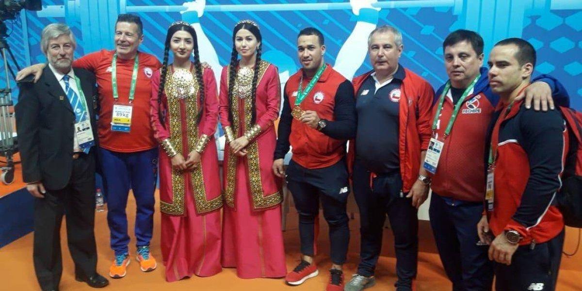 Arley Méndez lo hizo otra vez y ganó medalla de oro en el Mundial de levantamiento de pesas