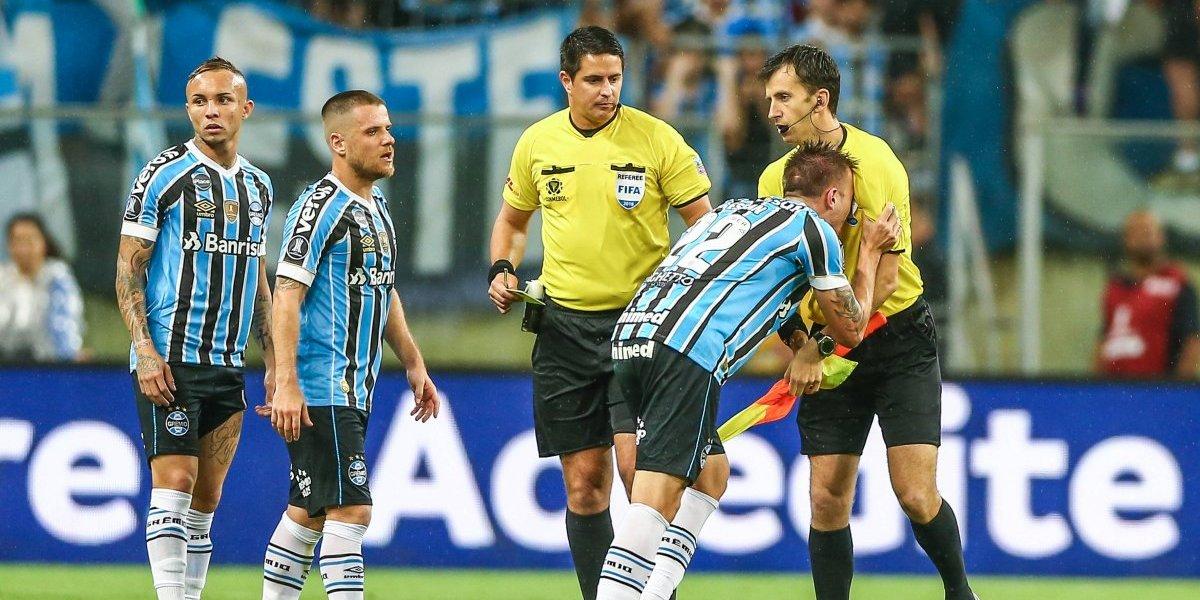 El calvario que vive el defensa de Gremio que cometió la fatídica mano contra River Plate