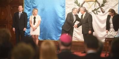 Gobierno de Guatemala condecora al embajador de Colombia, Carlos Pulido