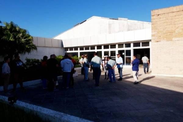 manifestación de estudiantes de la Usac en aeropuerto Mundo Maya